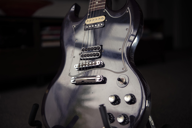 Gibson_SG_Body_A81_3461_G1_sml_2000px