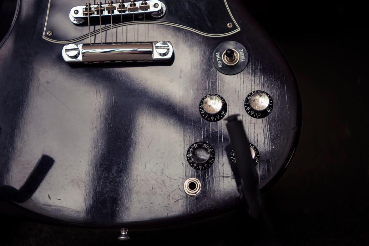 Gibson_SG_Body_A81_3469G1_sml_2000px
